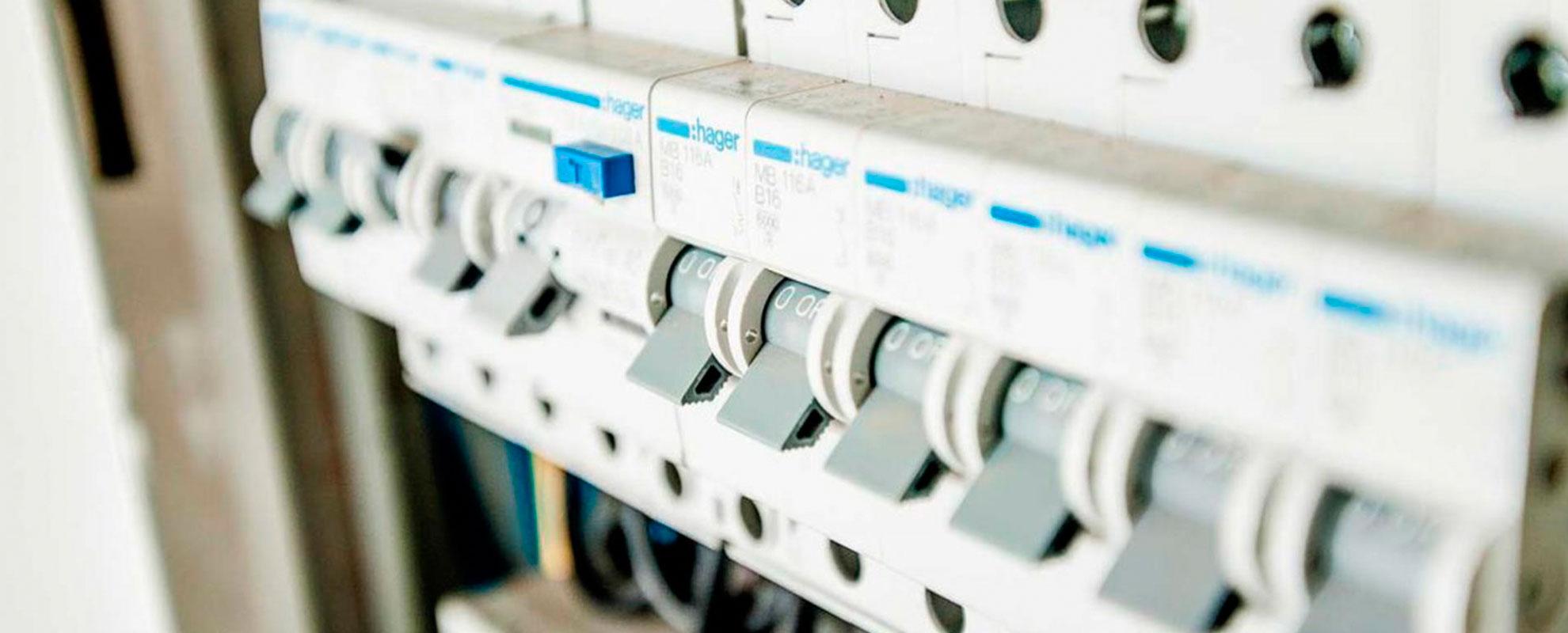 Instalaciones y mantenimiento eléctrico de baja tensión en Madrid